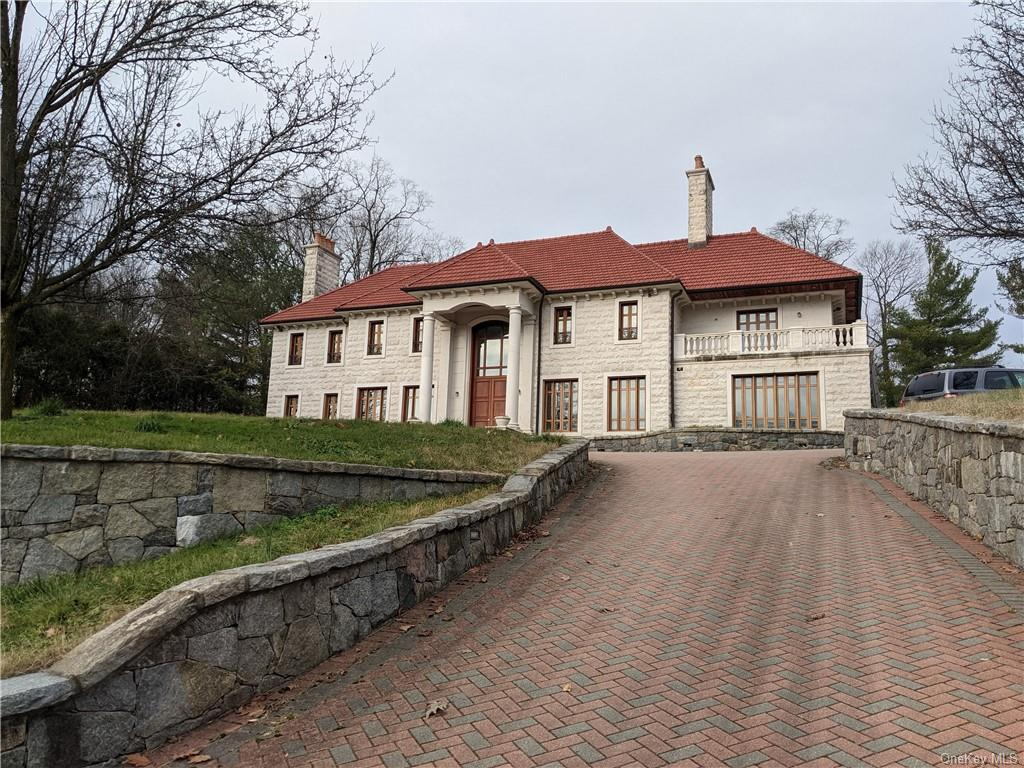 31 Saxon Woods Road, Scarsdale NY 10583