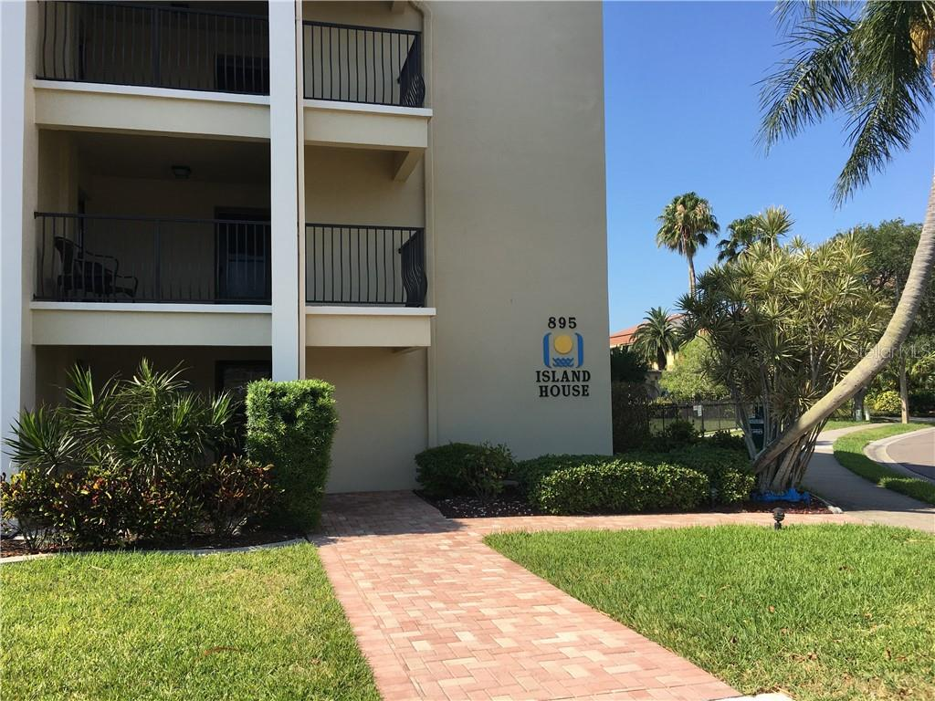 895 S GULFVIEW BOULEVARD #101 Clearwater Beach
