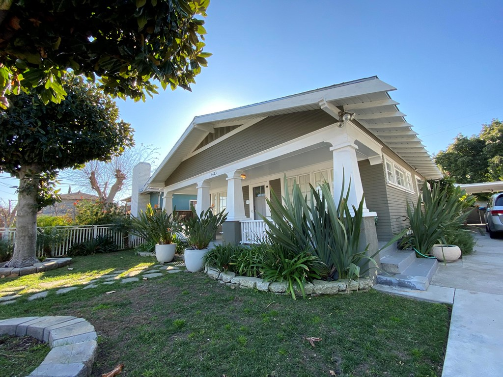 5623 Beck Avenue, North Hollywood CA 91601